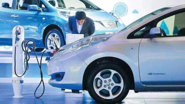 寻找电动汽车增长新动力 | 8位大咖热议新能源汽车下乡