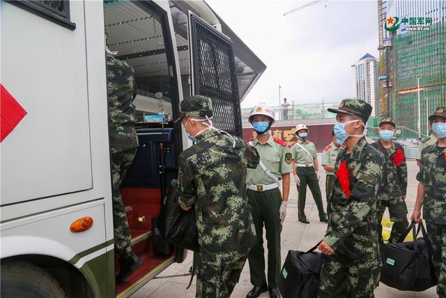 开启军旅生涯新篇章,武警广西总队柳州支队这样欢迎新兵入营-第5张