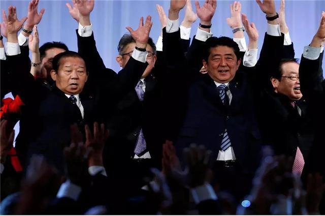 新一代日本内阁的二把手,直言远亲不如近邻,坚持亲华路线-第2张