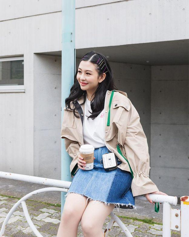 邱淑贞女儿沈月登上大刊封面,18岁星二代的时装进化之路-第12张