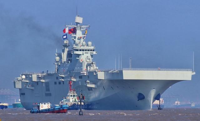 好看的军舰一定也很好用,075两栖攻击舰的颜值其实很不错-第2张