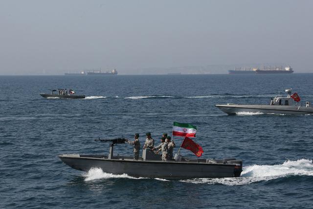 伊朗否认4艘油轮被扣,大批战舰出海报复美国,美:这才是开始www.smxdc.net