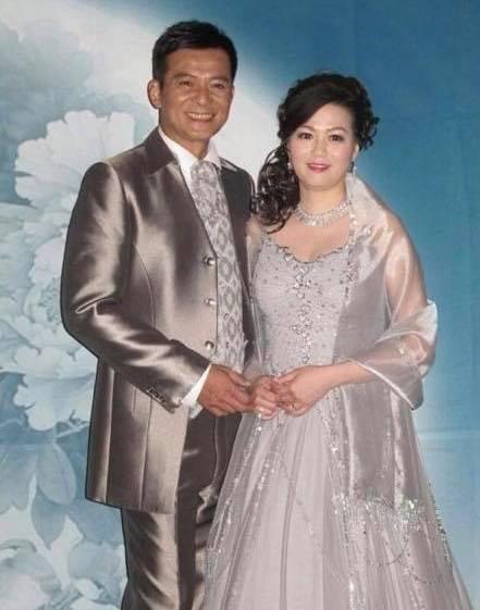 黃日華太太梁潔華病逝 黃日華與老婆相愛40年 女兒黃芷晴感恩各界