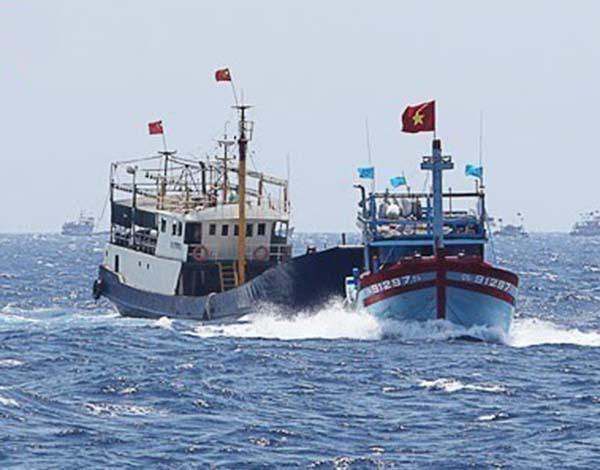 怂恿渔民越境非法捕捞,越南无视我国禁令的代价:11艘渔船被扣押-第4张