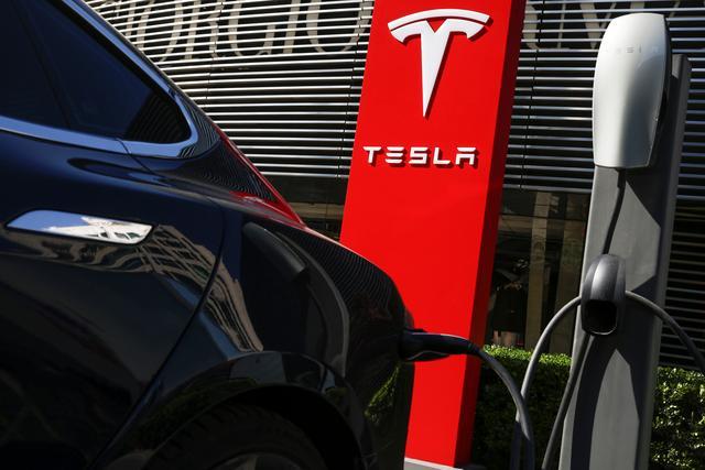 Model 3再降价,特斯拉屠刀杀入20万元市场,电动车降价潮将至?_赛车微信群