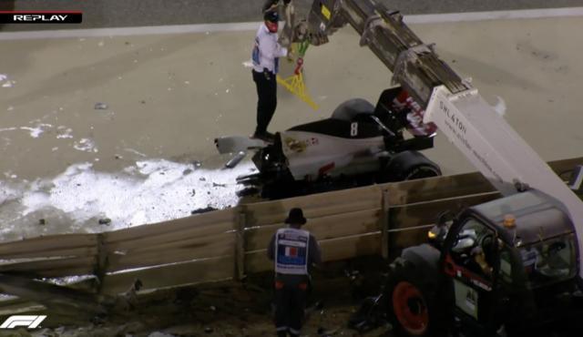 F1史诗级事故!赛车竟被撞成两截,格罗斯让爬出火海,死里逃生