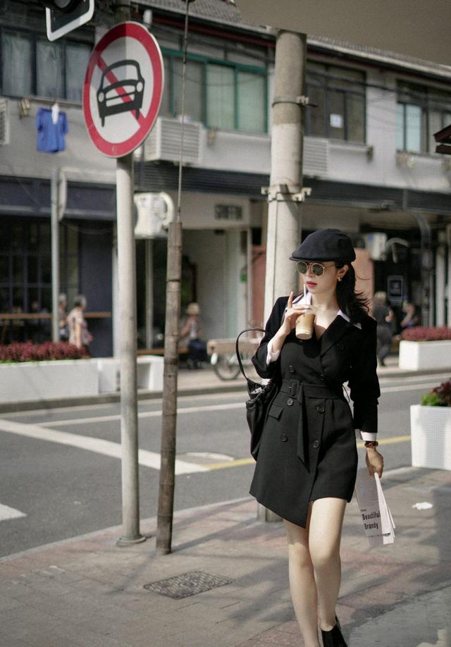 初秋怎么穿才精致?黑色西装裙配白色衬衫,干练又不乏时尚感-第4张
