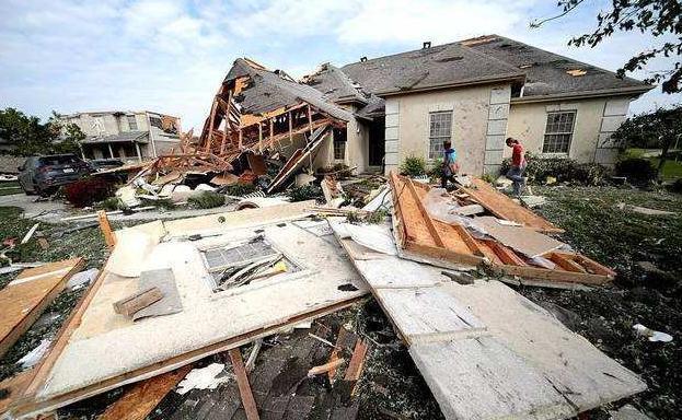 美国又一天灾来袭,数千民房被毁,数十万民众紧急撤离-第1张