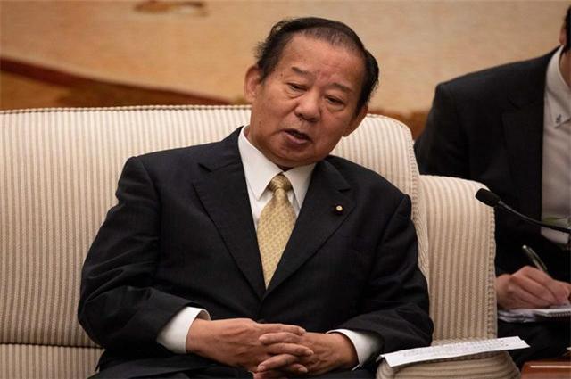 新一代日本内阁的二把手,直言远亲不如近邻,坚持亲华路线-第3张
