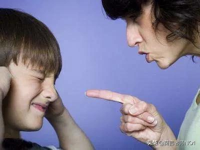 """真正去解决孩子问题的途径不是去改变孩子,而是去改变影响和熏陶孩子的榜样、关系和环境。当父母立足自我管理成长时,会发现很多曾经困扰孩子的问题迎刃而解。  因为孩子的""""问题""""是""""果"""",父母的问题才是""""因"""""""