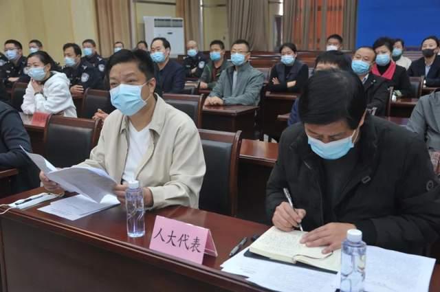 淮安清江浦區法院公開審理徐某等26名被告人組織考試作弊案