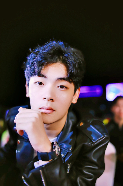 拒绝《青春有你3》《创造营2021》邀请,董浩叔叔儿子陈若尧电影上映!