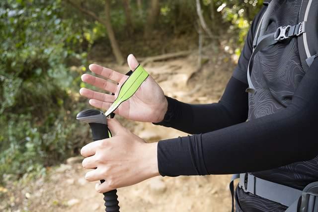 户外登山不可缺少的第三只脚,教你如何正确使用登山杖