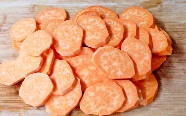 一道低脂红薯片,酥酥脆脆,孩子的最爱