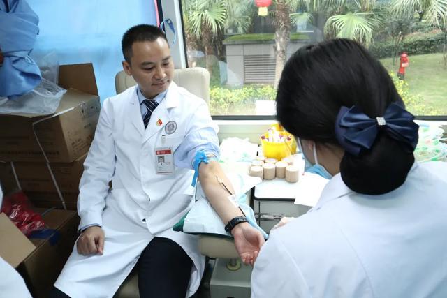 1.27 万毫升!疫情下应急献血,重庆北部宽仁医院在行动