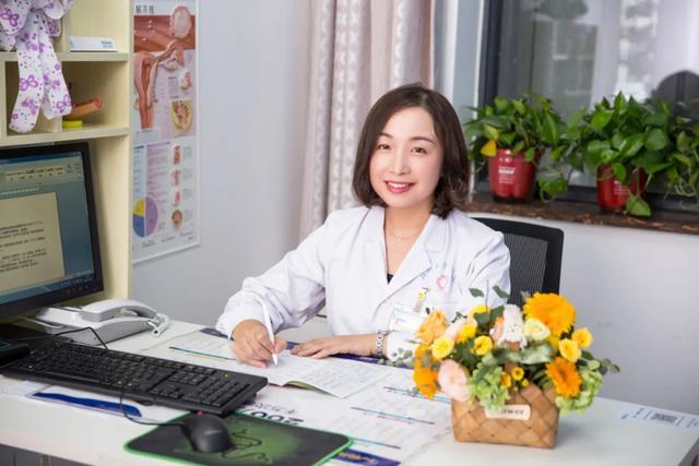 【郑大三附院致敬中国医师节】:弘扬抗疫精神 护佑妇幼健康
