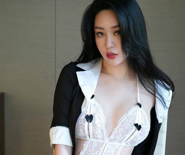 Ugirls爱尤物尤果圈 职业训爱师 刘瑾希