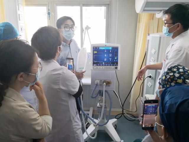 上海海华医院多学科协作,成功救治七旬老人