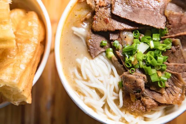 美食天下:与《中餐厅4》一起品尝地道的湖北美食
