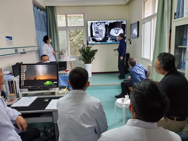 一台手术解决「肝肠」双难题,肿瘤多学科协作带来生机