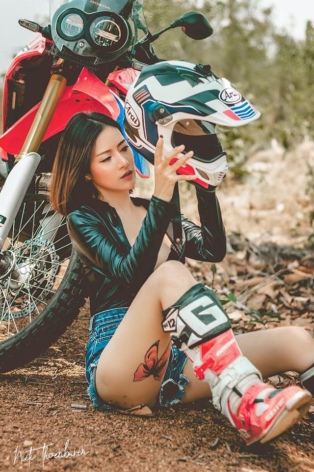 男性心里的梦!摩托车大胸女骑手正妹Supranee Fankham上车那一刻人都醉了!