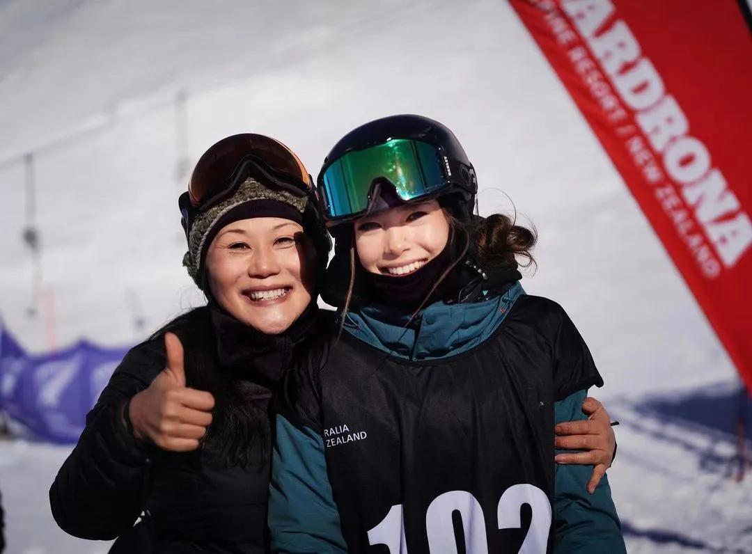 17岁天才美少女代表中国拿下滑雪冠军,却因国籍被键盘侠狂喷…