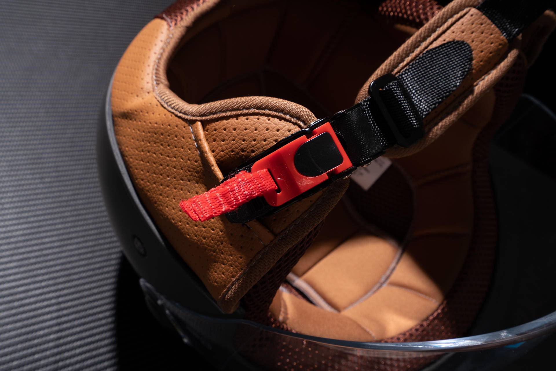 更安全实用,更舒适耐用的安全装备-Smart4u骑士复古头盔