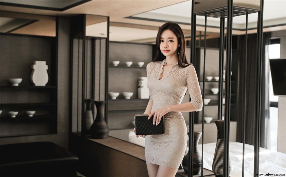 孙允珠丨皇廷蔷薇温润粉底花瓣古典裙