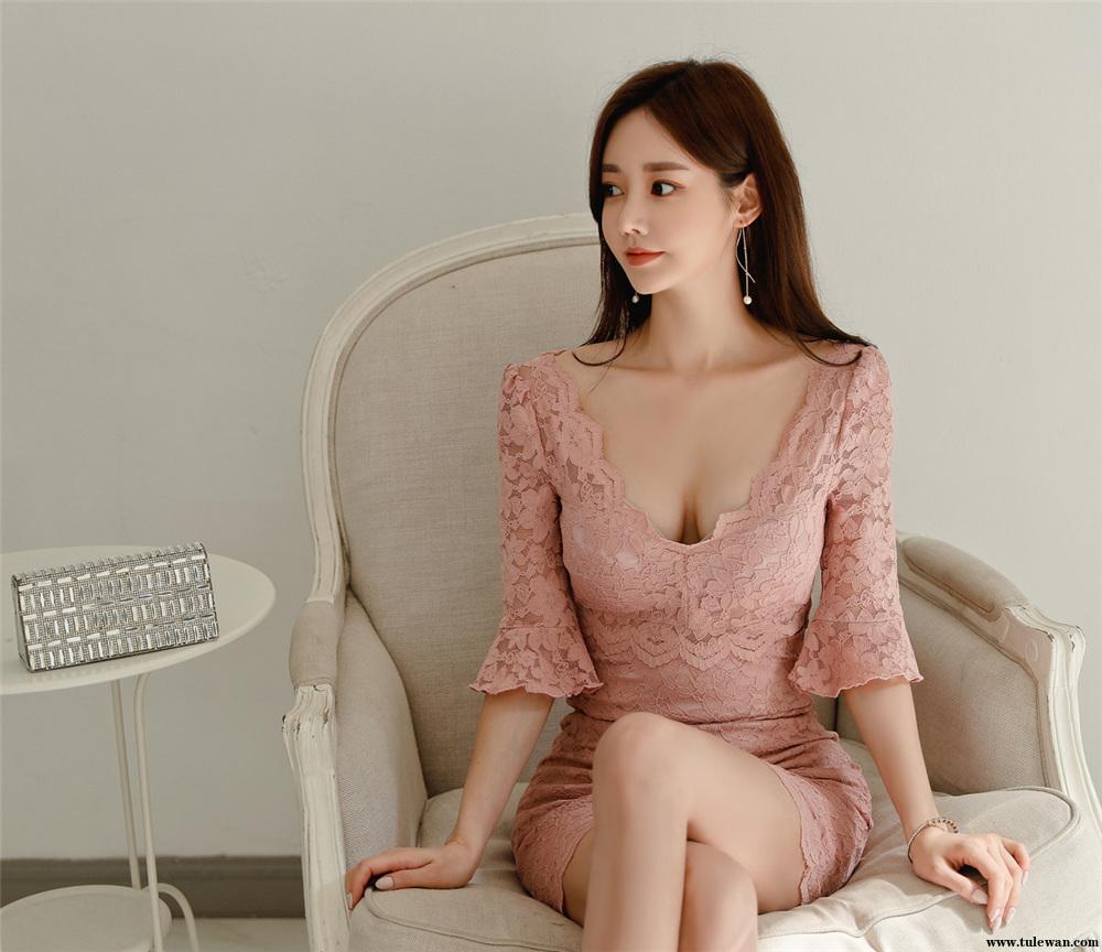 孙允珠丨红粉绣花蜜桃水沁婉约古典裙
