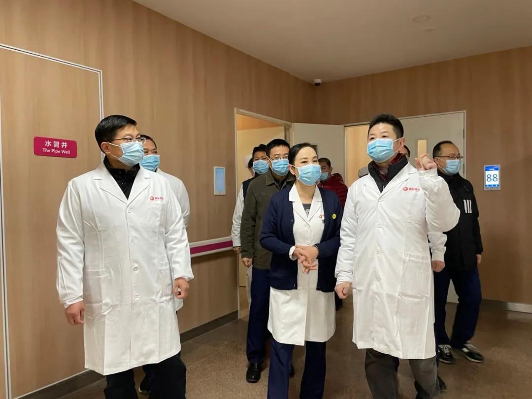 再添名医——两位大咖加盟西安高新医院