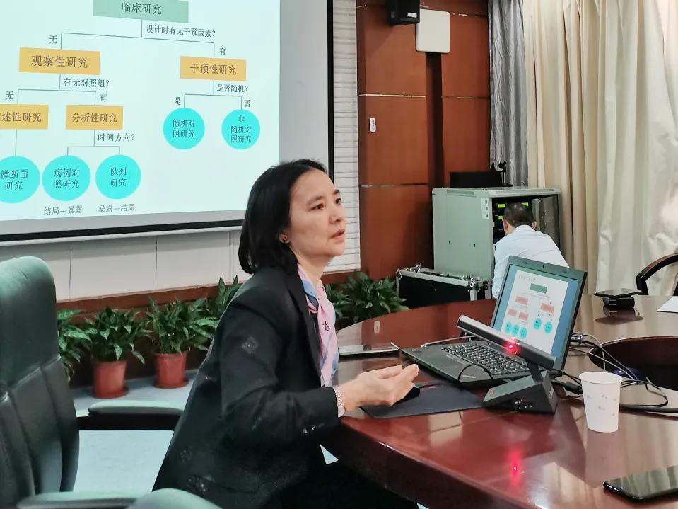 宋尔卫院士团队为深圳乳腺癌防治体系建设出谋划策