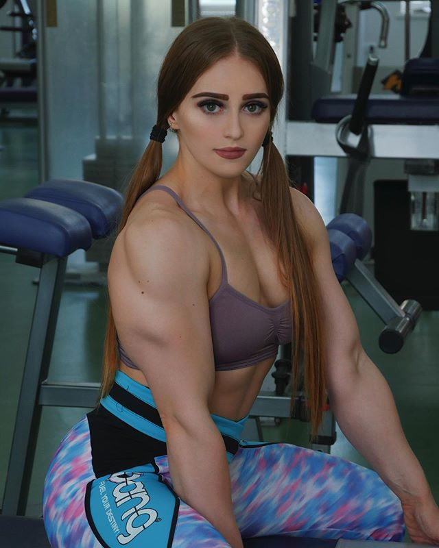 极具战斗民族特色的健身正妹!俄罗斯金刚芭比Julia Vins挑战你的神经!
