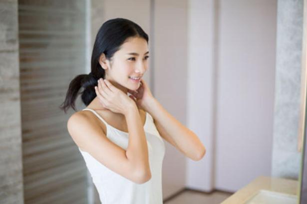 凡尔丽雪|学会冬季正确的护肤步骤,让你的皮肤水嫩依旧!