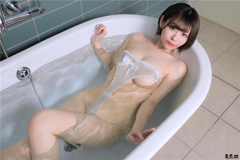 日本写真界萌妹子小日向结衣浴室写真再现江湖 节操写真馆 热图3