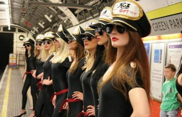 黎巴嫩女警被要求穿热裤上班,当地旅游业因此创下新高…