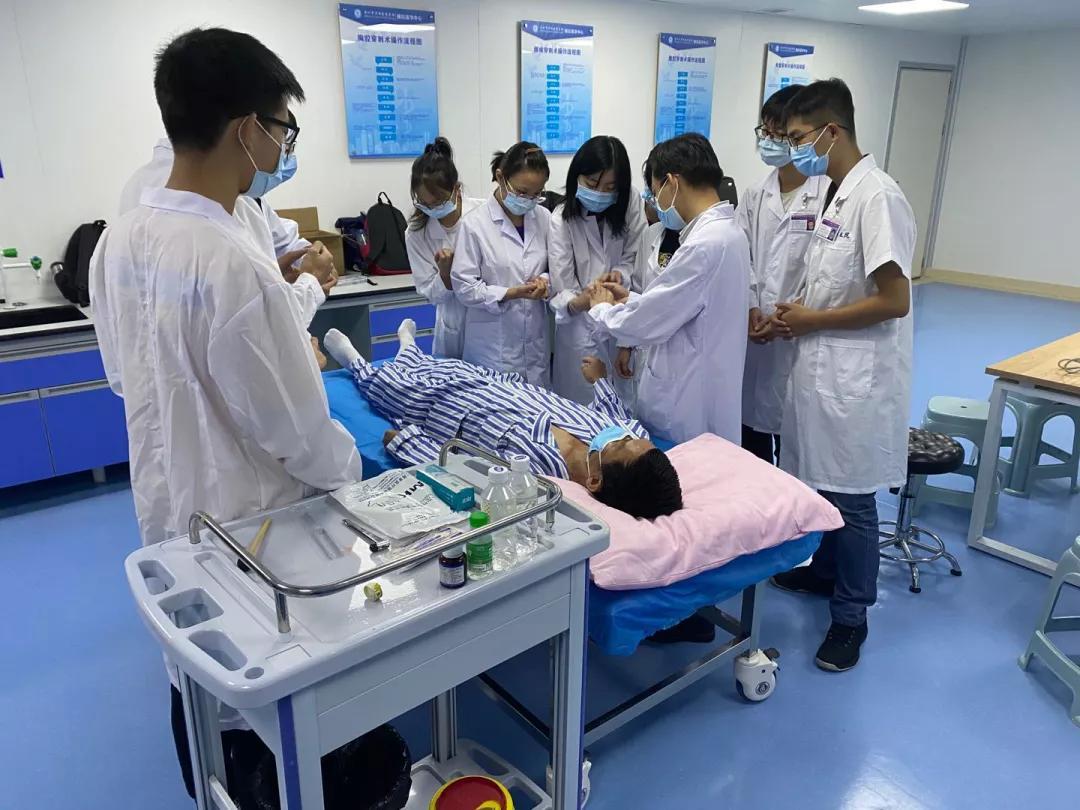 深圳市罗湖区人民医院标准化病人教学开始啦