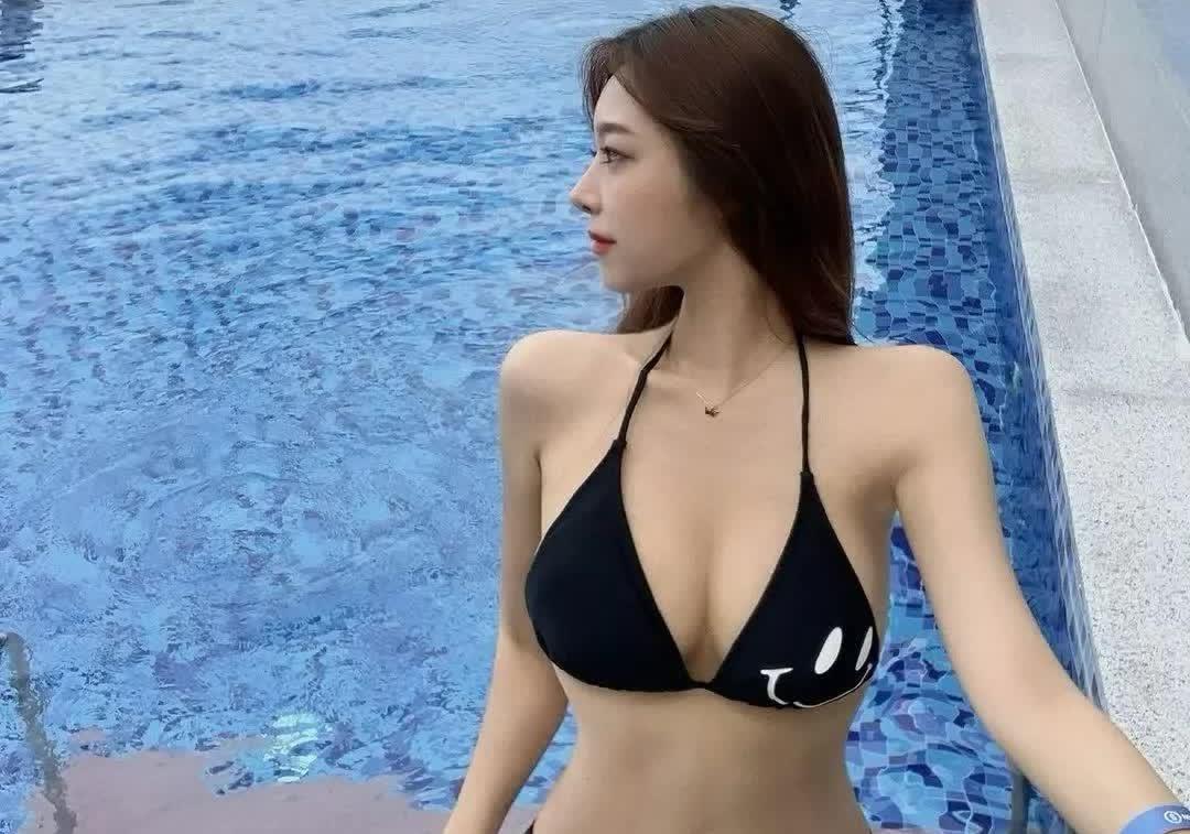 """韩国美女""""시윤""""超模身材之S形曲线和大长腿应有尽有!"""