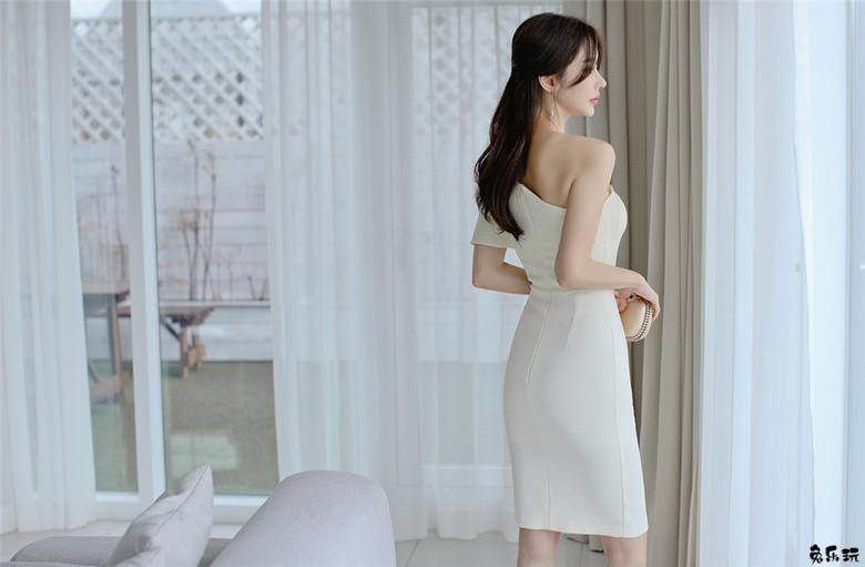 孙允珠:白娥凝露初曦单斜肩及膝礼裙