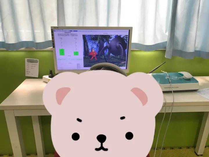 △孩子在做脑电生物反馈治疗