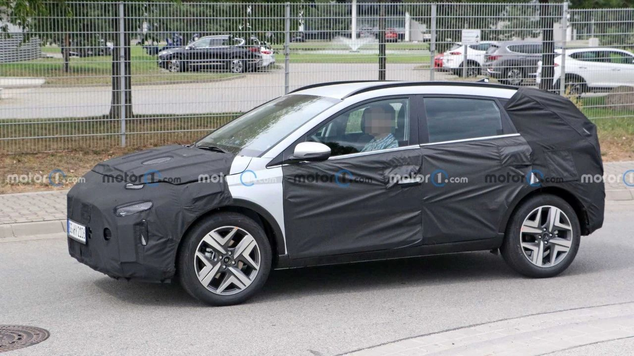 「汽车V报」奔驰G级艺术车国内首秀;新款马自达3压燃版性能将提升-20201126-VDGER