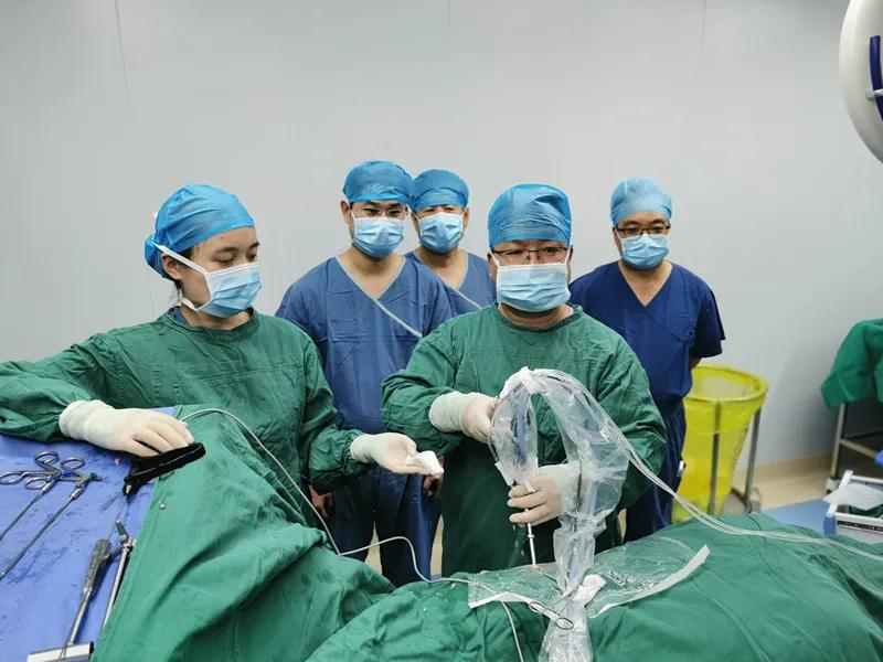 为治腰腿痛 老人不辞辛苦从北京奔往河南省直第三人民医院